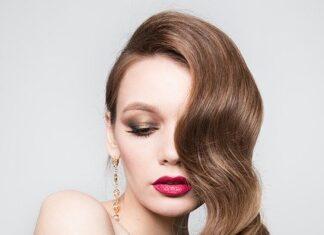 czym nawilżyć włosy